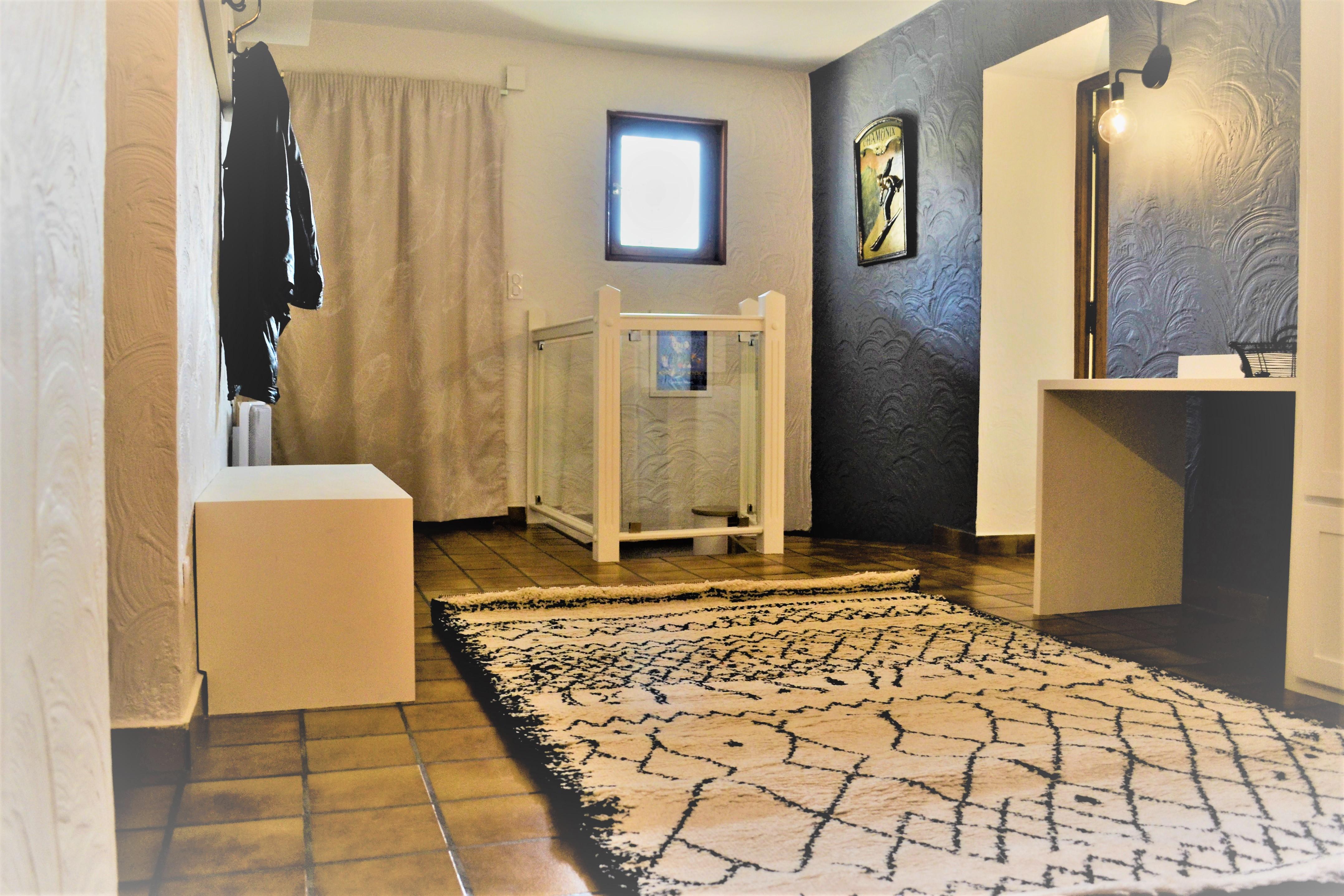 la premi re impression marignier janvier 2018 aura. Black Bedroom Furniture Sets. Home Design Ideas